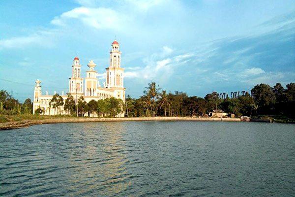 Selain Taman Sehati, Situ Rawa Binong di Cikarang ini Cocok Untuk Anda Ngabuburit